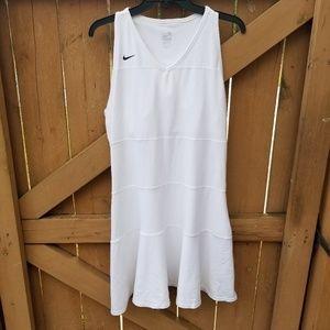 NIKE  DRI FIT TENNIS DRESS SIZE XL
